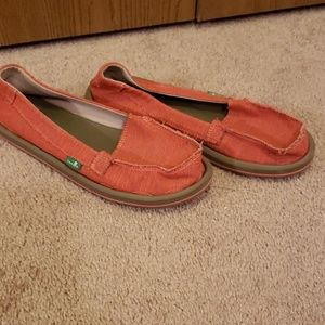 Womens sanuk slide ons